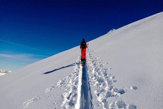 Jazda na nartach bez dowodu?