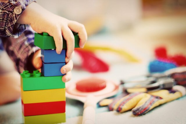 Zwróć uwagę na wadliwe zabawki w trosce o bezpieczeństwo Twojego malucha